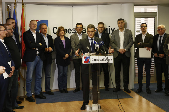 Lideri opozicionih partija vagaju kako da odgovore na zahteve organizatora građanskog protesta