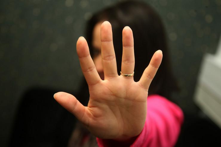 nasilje-žene-porodično-02-foto-S-PASALIC