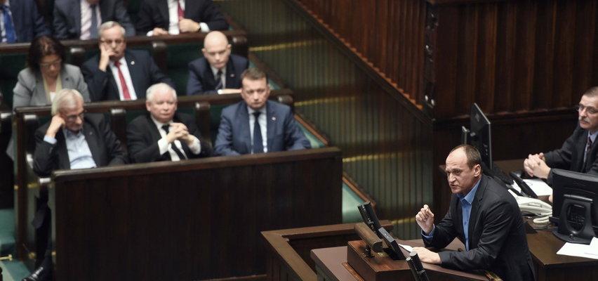 """Kukiz zagra z Kaczyńskim. Prezes PiS """"ładnie śpiewa"""""""