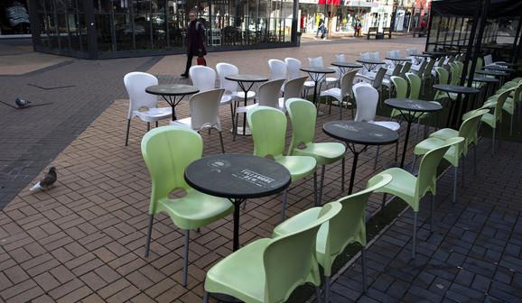 Prazni kafići u Sofiji