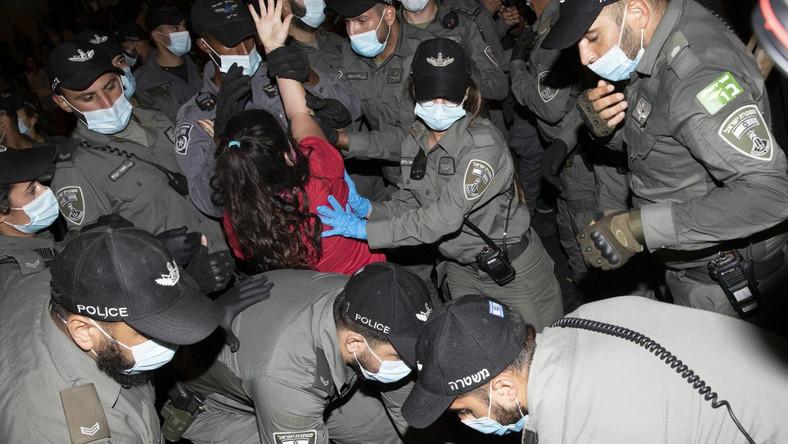 Protestujący w Izraelu domagają się też dymisji premiera Benjamina Netanjahu.