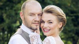 Emilia Komarnicka i Redbad Klynstra niedawno wzięli ślub. Mamy niepublikowane dotąd zdjęcia z uroczystości