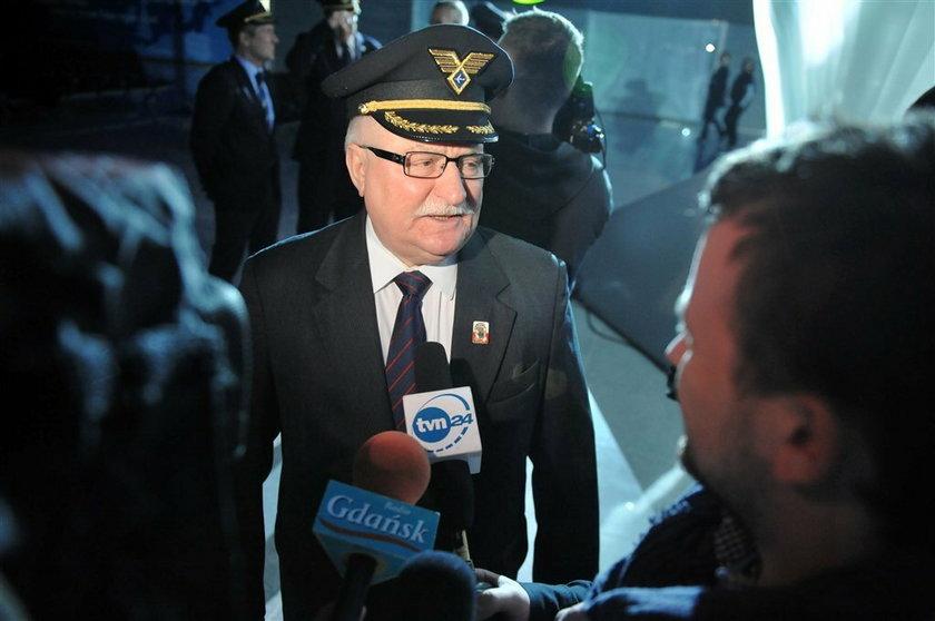 Wałęsa jak kpt Wrona. FOTY!