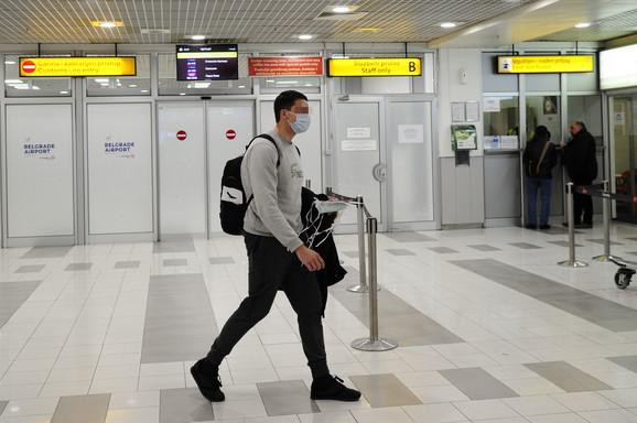 V. V. je sat i po vremena proveo na aerodromu gde je ustanovljeno da nema koronavirus