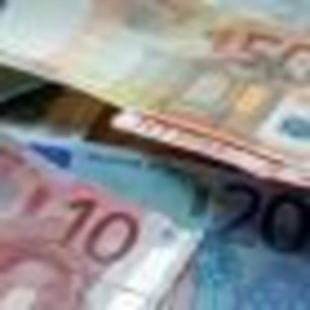 Harmonogram wejścia do strefy euro jest już gotowy, rząd powinien go zatwierdzić do końca października - powiedziała dziennikarzom wiceminister finansów Katarzyna Zajdel-Kurowska.