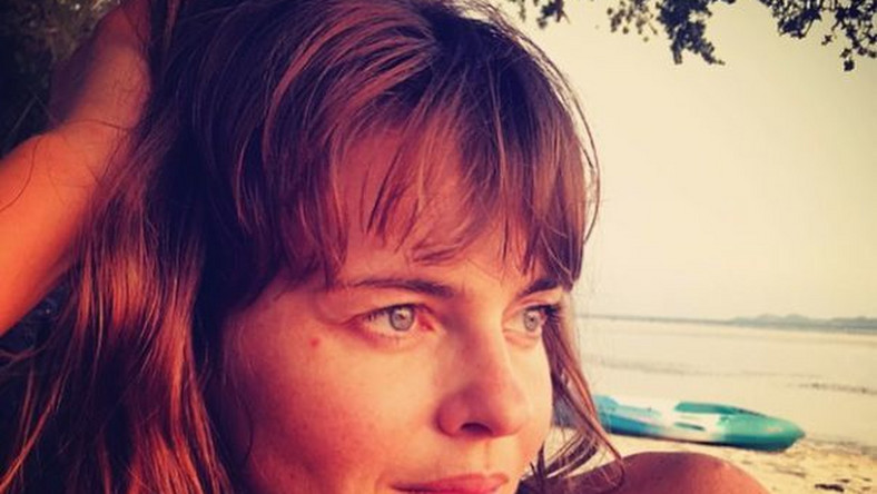 Edyta Herbuś na wakacjach stawia na naturalny wizerunek. Na swoim profilutancerka pokazała zdjęcia z plażowego wypoczynku