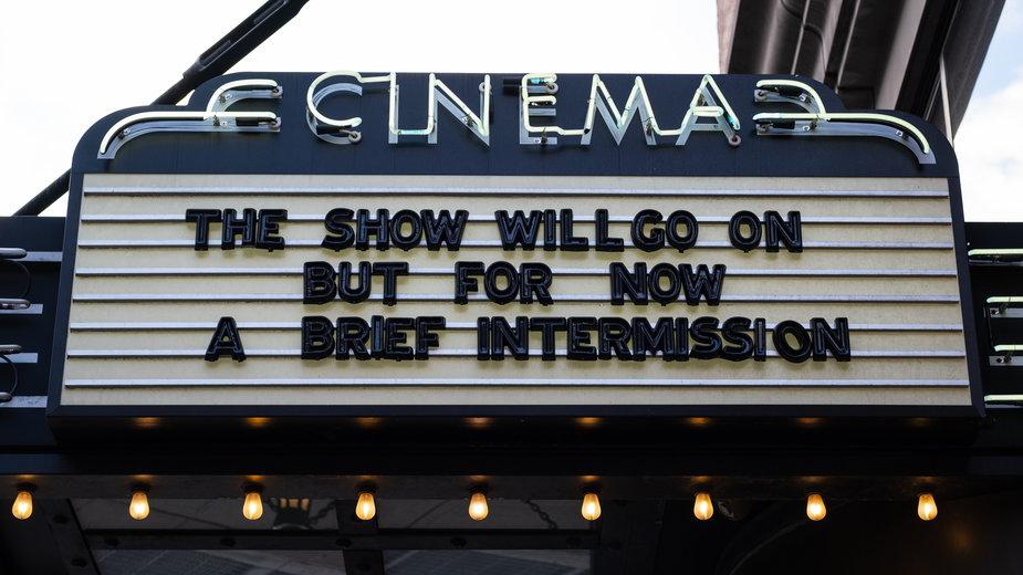 Gubernator stanu Nowy Jork zezwolił na otwarcie miejscowych kin