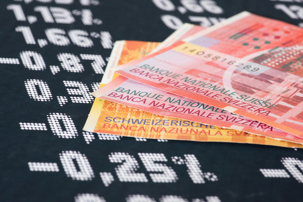Dziewięć banków pracuje nad projektem ugód z frankowiczami