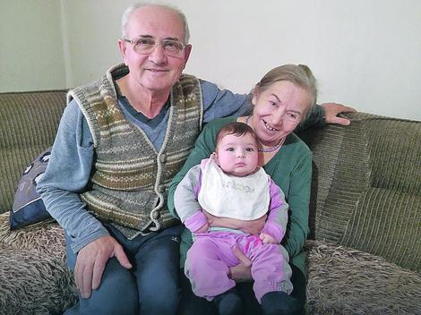 Atifa ljajić sa suprugom Šerifom i ćerkom Alinom