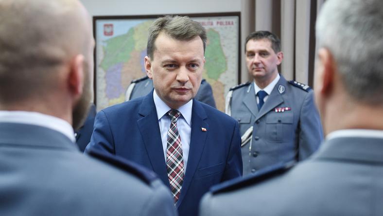 """Mariusz Błaszczak nagrodził m. in. policjantów od """"Hossa"""""""