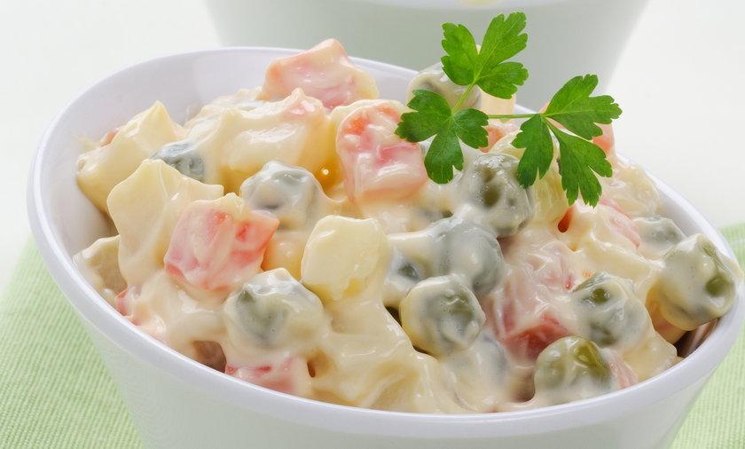 Przepisy na pyszne sałatki z ziemniakami.