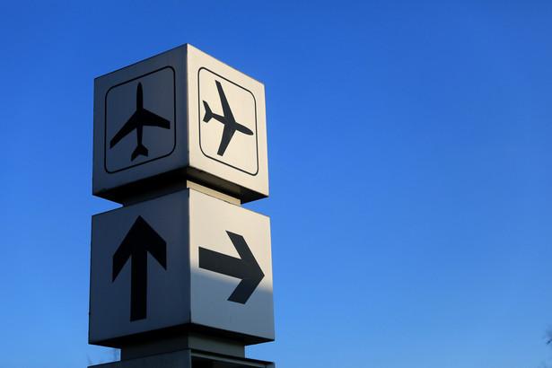 Koronawirus coraz bardziej dotyka branżę lotniczą