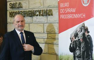 Macierewicz: Obrona terytorialna najlepszą formą ochrony przed Rosją