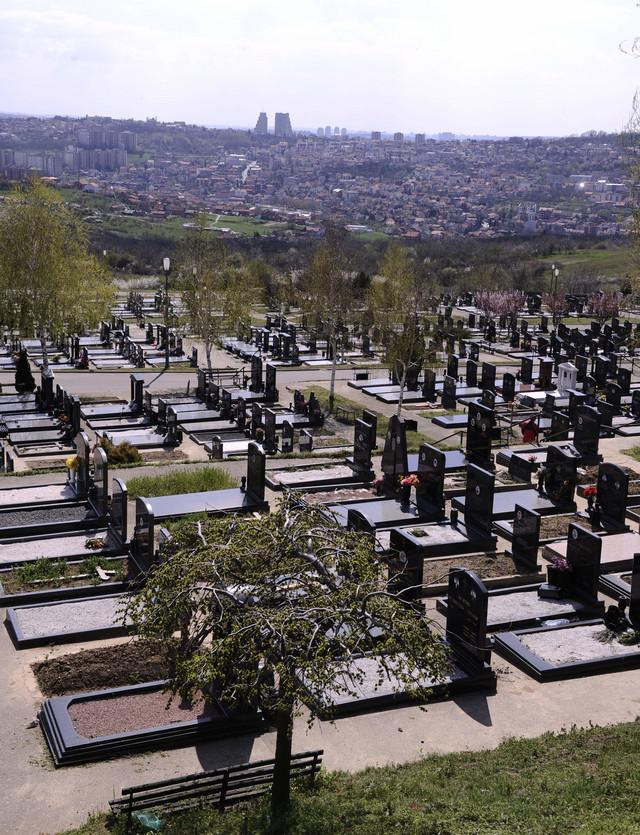 Nestašica čak i na grobljima