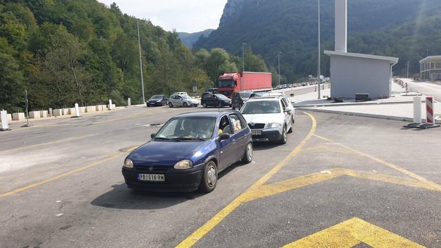 Gužva je danas bila na graničnom prelazu Gostun