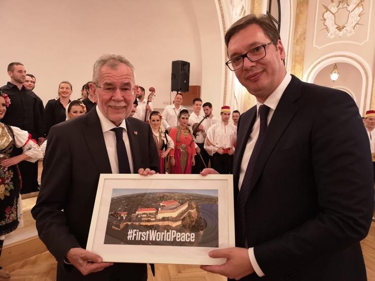 Vučić - Van der Belen Dom garde