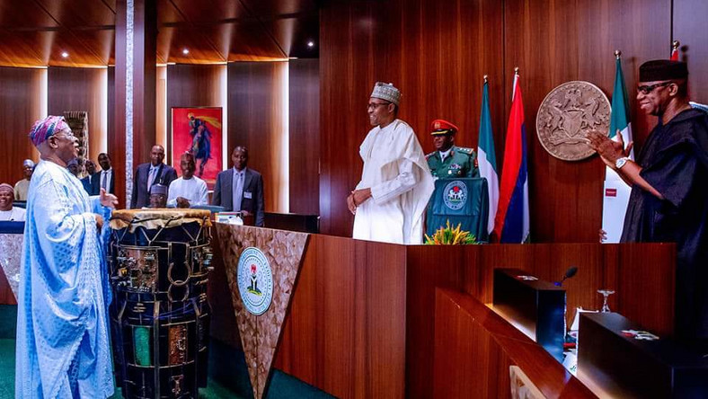 President Buhari chairs council meeting at the State House [Twitter/@dabiodunMFR]