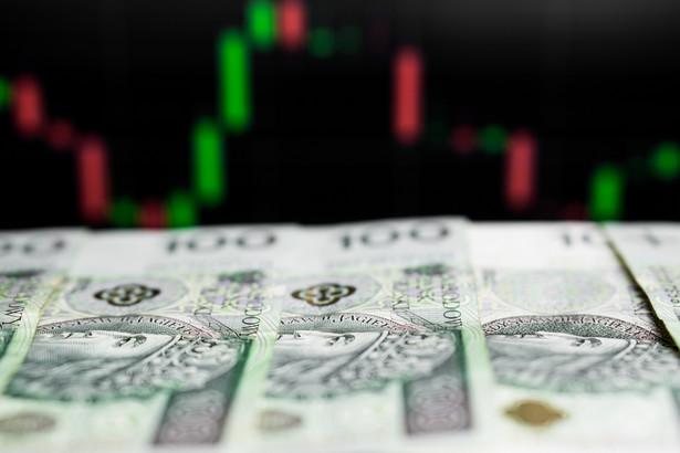 Resort poinformował też, że zadłużenie Skarbu Państwa na koniec grudnia 2020 r. wyniosło 1.097.460,2 mln zł