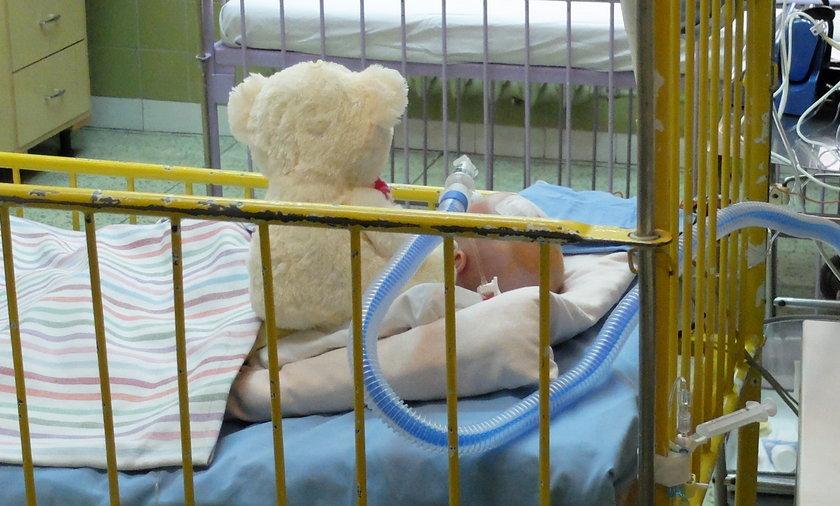 Lekarze walczą o życie pobitego 3-latka. Policja zatrzymała ojczyma (fot. ilustracyjne)
