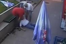 """BRUTALNO PRETUKAO ČOVEKA JER JE BIO """"SPOR NA KASI"""" Pilotu zbog batinanja u Stepi, i to pred DETETOM, preti osam godina robije (VIDEO)"""