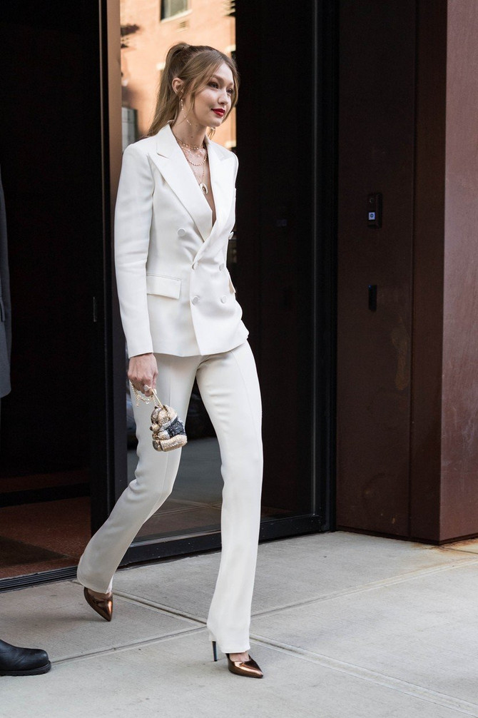 Điđi Hadid u Njujorku na putu do TV studija: manekenka je bila gošća Džimija Felona
