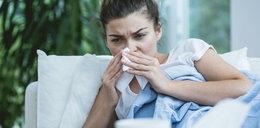 Jesteś przeziębiony? Źle się czujesz? Masz gorączkę i kaszel? Pomoże lekarz POZ. Sprawdź, co robić krok po kroku