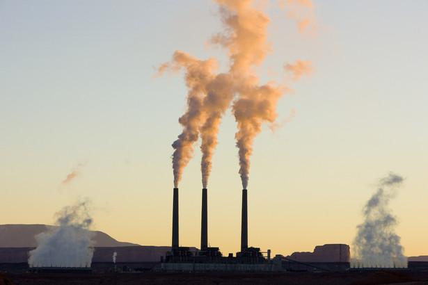 Węgiel w USA traci na popularności z powodu taniego gazu łupkowego. Dlatego elektrownia w Arizonie zostanie zamknięta w 2019 r.