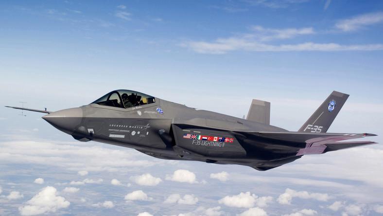 Państwa NATO posiadają ponad 4 razy więcej samolotów bojowych. Rosyjskie lotnictwo jest w stanie użyć 1300 maszyn – NATO 5800.