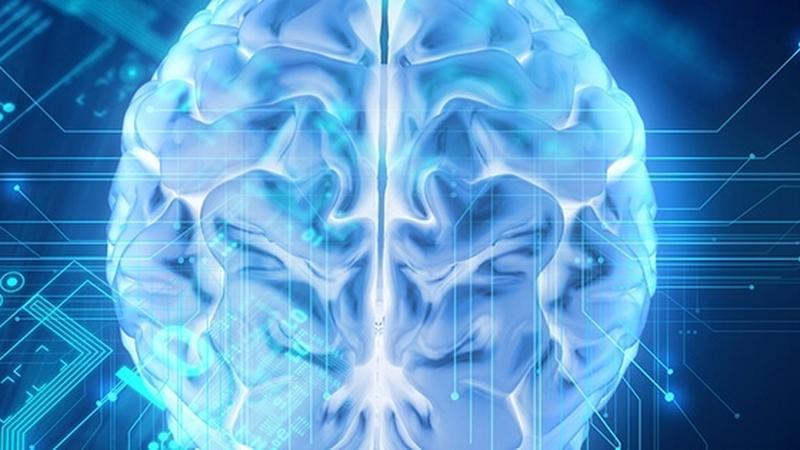ARM pracuje nad implantami mózgowymi