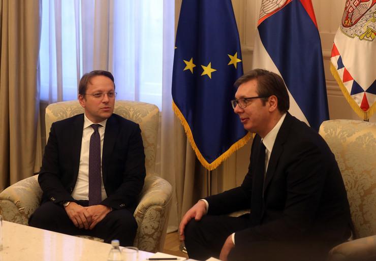 Aleksandar Vučić, Oliver Varheji