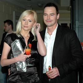 """Miłość w blasku fleszy: Ewa Gawryluk i Waldemar Błaszczyk. """"Małżeństwo nie jest kapciem, który leży w kącie"""""""