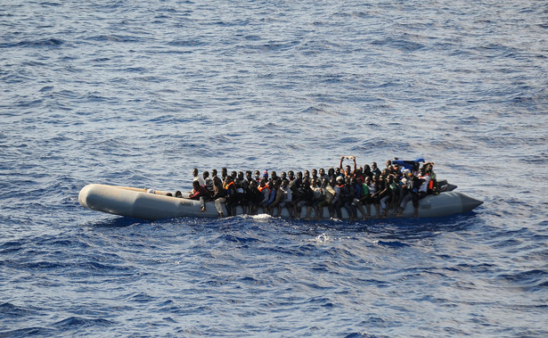 Liczba nielegalnych migrantów przekraczających granicę w zachodniej części Morza Śródziemnego w listopadzie spadła o 80 proc. w porównaniu z poprzednim miesiącem do 950 osób