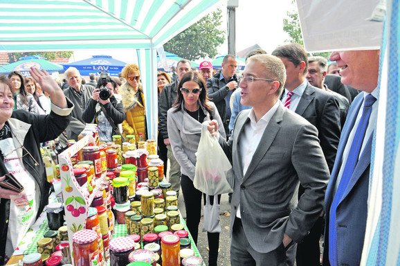 Nebojša Stefanović vuče korene iz Koceljeve, pa voli da svrati na Festival zimnice