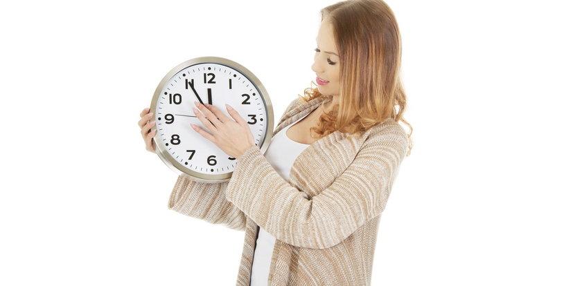 Zmiana czasu w 2021. Kiedy przestawiamy zegarki na czas letni?
