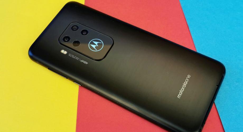Motorola One Zoom: gute Mittelklasse, aber zu teuer
