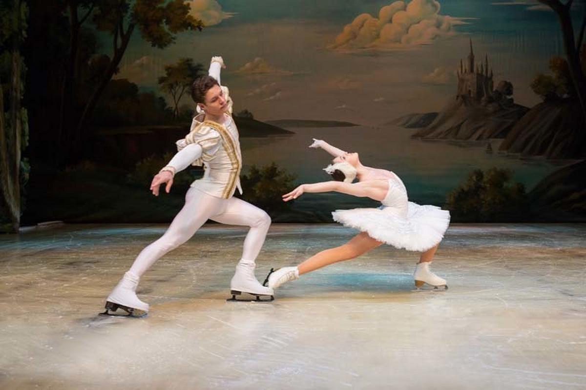 'USPAVANA LJEPOTICA' VEČERAS U SARAJEVU! Ansambl ruskog državnog baleta Sankt Peterburg stigao u glavni grad BiH