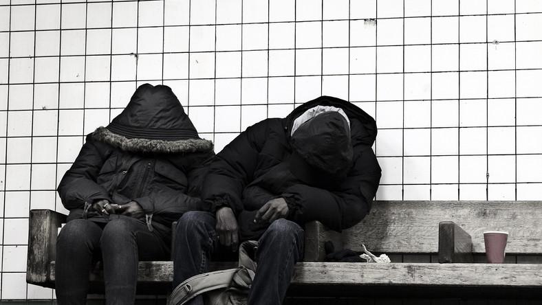 Bezdomni na ławce