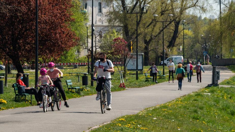 Kolejny długi weekend majowy. Część Polaków odbiera wolne za 1 maja