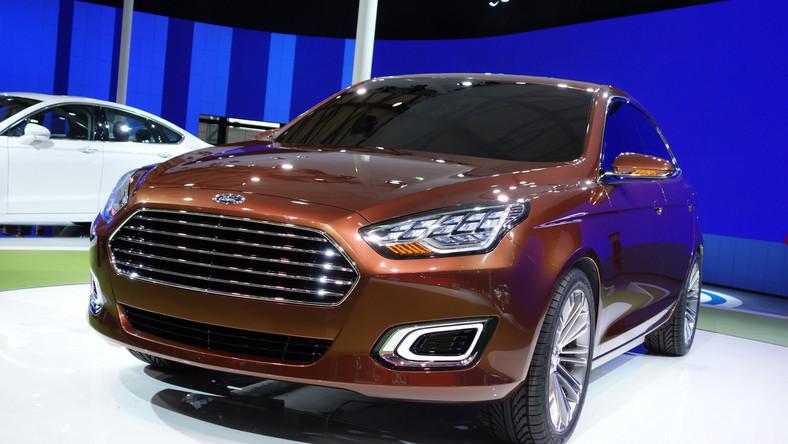 Chiny to oczko w głowie producentów samochodów. Każdy koncern chce wyciąć dla siebie jak największy kawałek z tego rynku. Każda firma ma swoje sposoby na skuszenie Chińczyka, by wybrał właśnie jej produkt a nie konkurencji. Ford postanowił dać kierowcom z Państwa Środka całkiem nowy model - z nazwą dobrze znaną wśród Europejczyków - w czasie salonu samochodowego w Szanghaju zadebiutował ford escort concept…