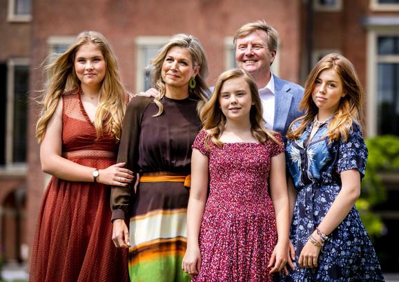 Kralj Vilem-Aleksander s porodicom