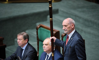 Giertych zapowiada pozew w związku z wpisem Macierewicza o katastrofie smoleńskiej