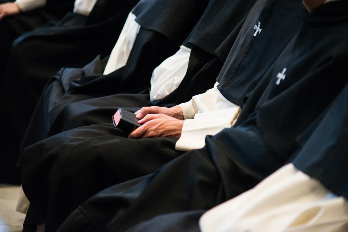 Ojciec Paweł M. stworzył we wrocławskim klasztorze wspólnotę, która działała jak sekta. Manipulował jej członkami, bił i gwałcił