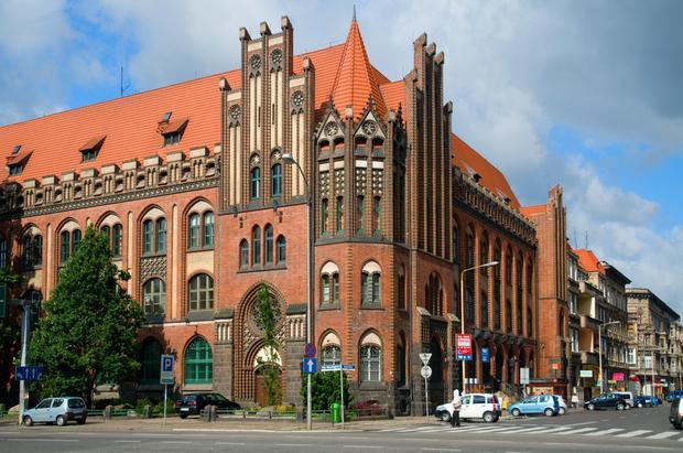 Szczecin, budynek poczty przy rogu al. Niepodległości i ul. Bogurodzicy