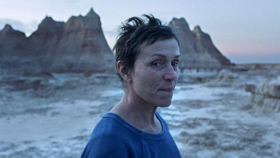 "Frances McDormand w filmie ""Nomadland"""