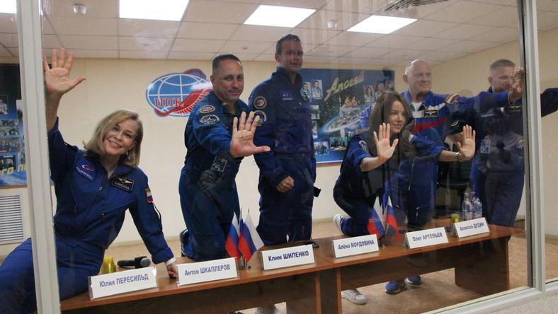 Załoga Sojuz MS-19