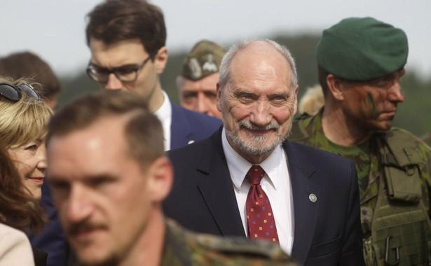 Podkreślił, że oba państwa przywiązują wagę do modernizowania sił zbrojnych, przypominając przyjęty przez rząd projekt ustawy zmierzający do zwiększenia nakładów obronnych i liczebności armii do 200 tysięcy
