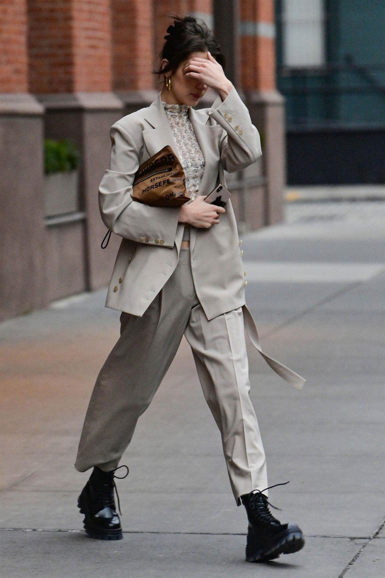 Ženska odela - Bela Hadid