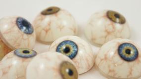 150 protez oka z drukarki 3D na godzinę