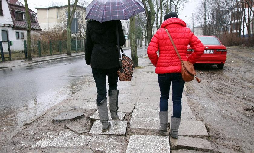 Dziurawe chodniki w Gdyni