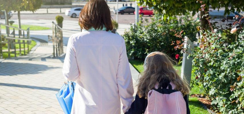 1500 zł rocznie dla samotnego rodzica? Prześwietlamy reformę PiS. Okazuje się, że nie wszystkim to się opłaci